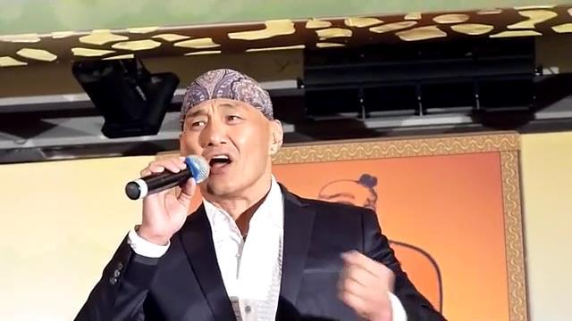 影視紅星王俊棠先生演唱大地恩情